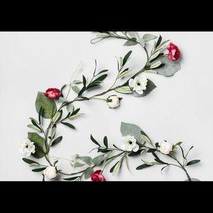 NWT Opalhouse Floral Garland